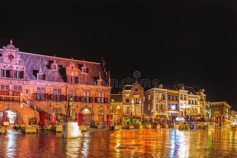 El cuadrado central en la ciudad holandesa de Nimega foto de archivo libre de regalías