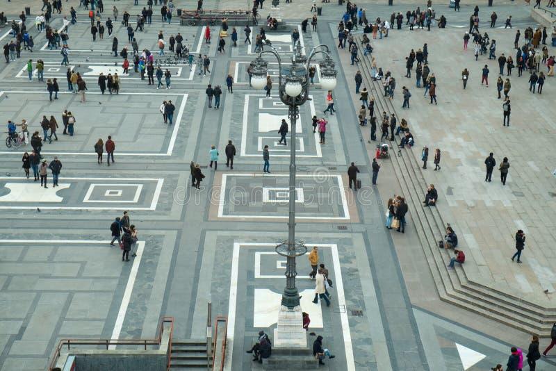 El cuadrado de Milán llamó el Duomo de la plaza fotografía de archivo