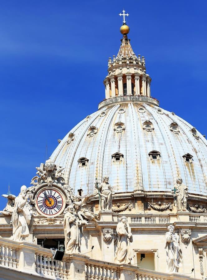 El cuadrado de San Pedro en la Ciudad del Vaticano fotografía de archivo libre de regalías