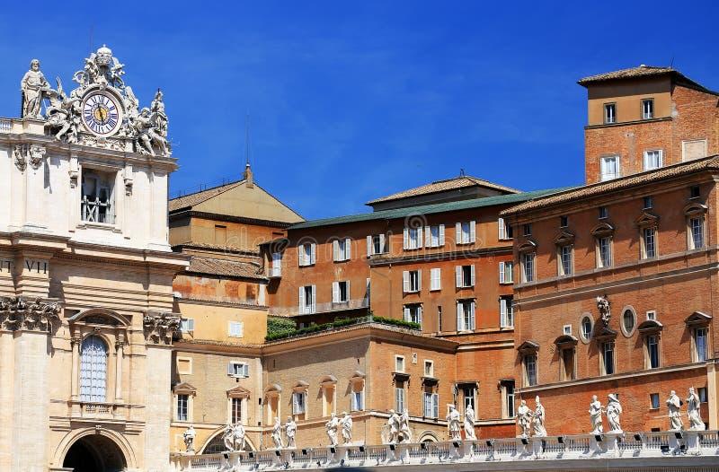 El cuadrado de San Pedro en la Ciudad del Vaticano fotos de archivo libres de regalías
