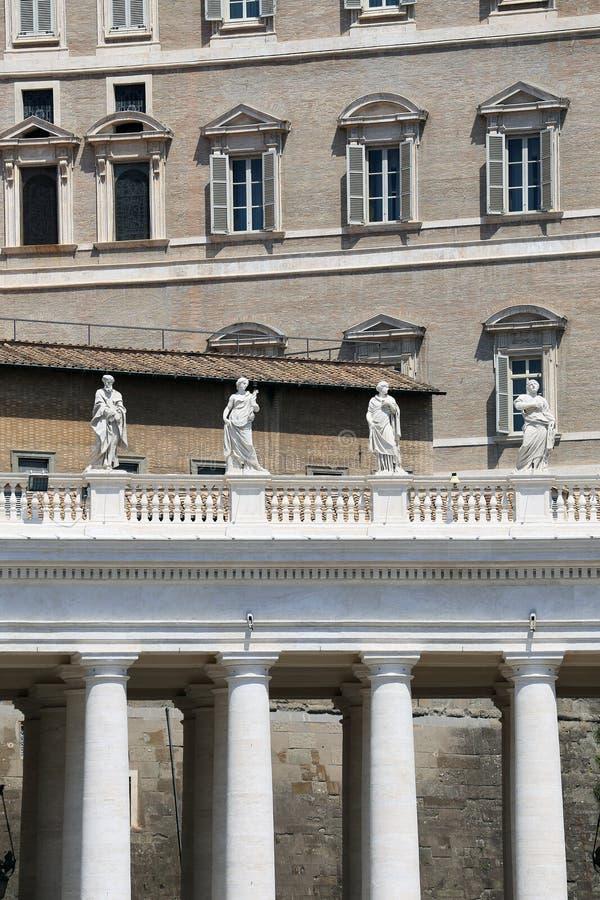 El cuadrado de San Pedro en la Ciudad del Vaticano foto de archivo libre de regalías