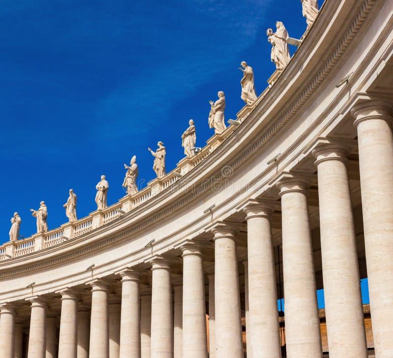 El cuadrado de San Pedro famoso en la Ciudad del Vaticano, Roma, Italia fotografía de archivo libre de regalías