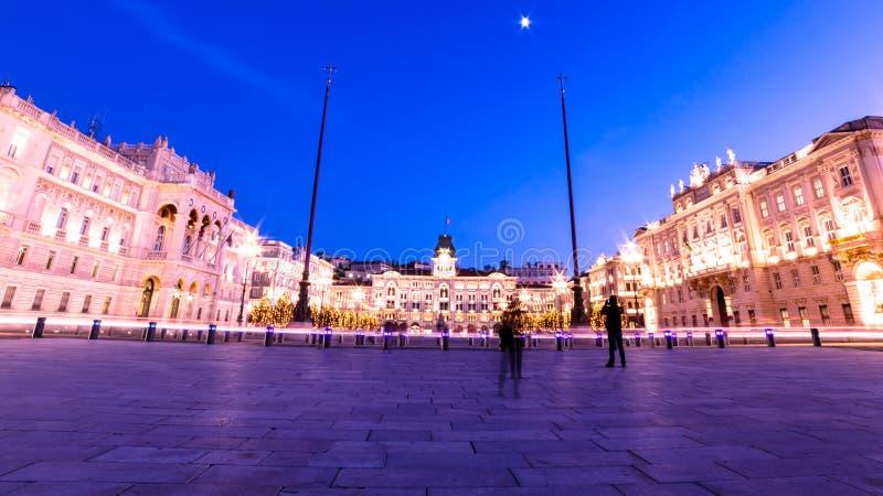 El cuadrado de Trieste durante tiempo de la Navidad imágenes de archivo libres de regalías