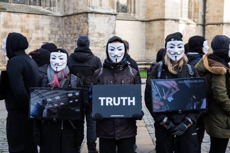 El cubo del grupo de la protesta del vegano de la verdad imagenes de archivo