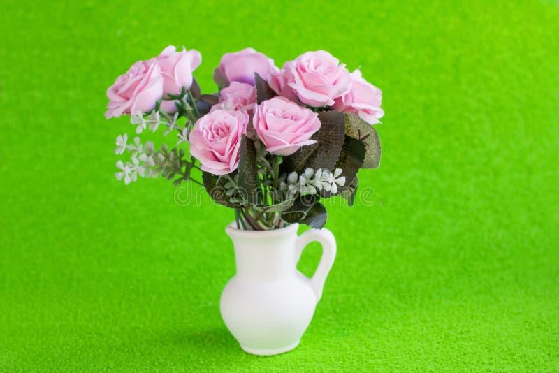 El día de tarjeta del día de San Valentín y el día de las mujeres internacionales del 8 de marzo Regalos para amados imagen de archivo libre de regalías