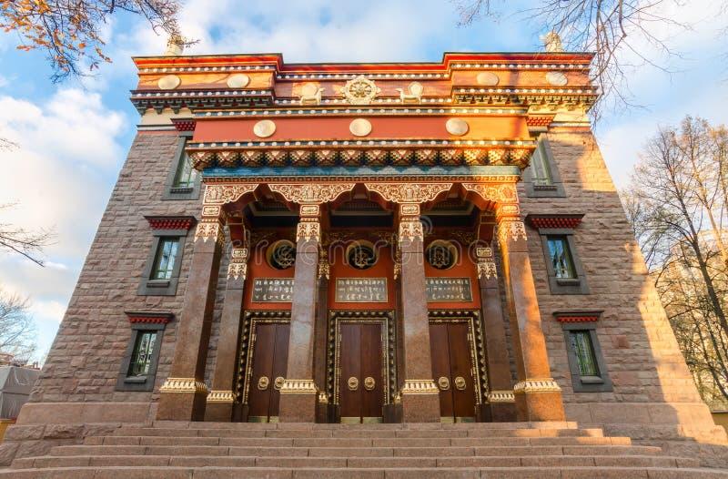 El Datsan Gunzechoinei es un templo budista grande St Petersburg, Rusia Fachada datsan budista imagenes de archivo