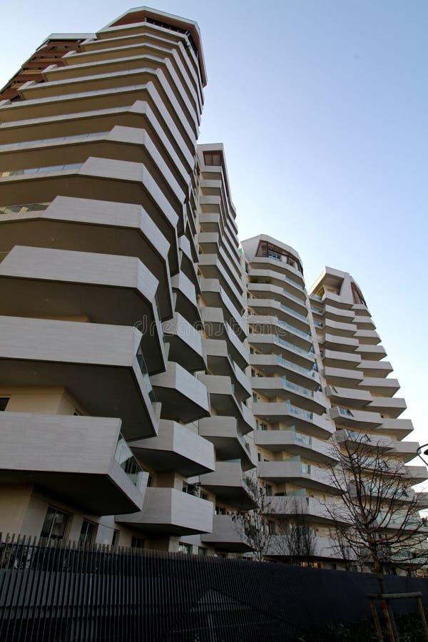El ` de las residencias de Libeskind del ` en Citylife; Milán, Italia imagenes de archivo