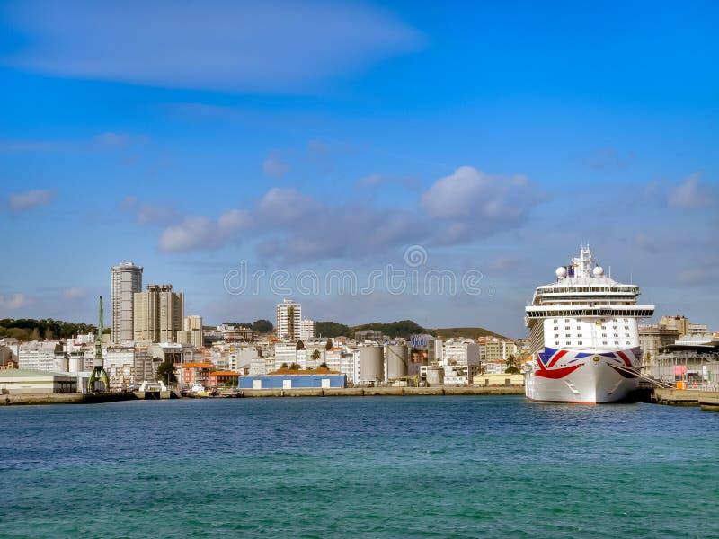 El ` de lujo del ` BRITANNIA de la travesía de P&O Cruises Company foto de archivo