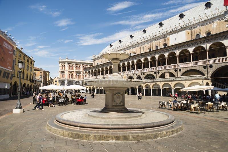 El della Ragione de Palazzo en Padua imagenes de archivo