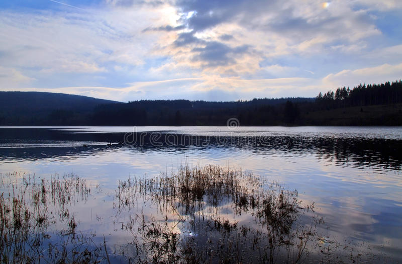 El depósito de Llyn On, Nant-ddu, Brecon baliza el parque nacional fotos de archivo libres de regalías