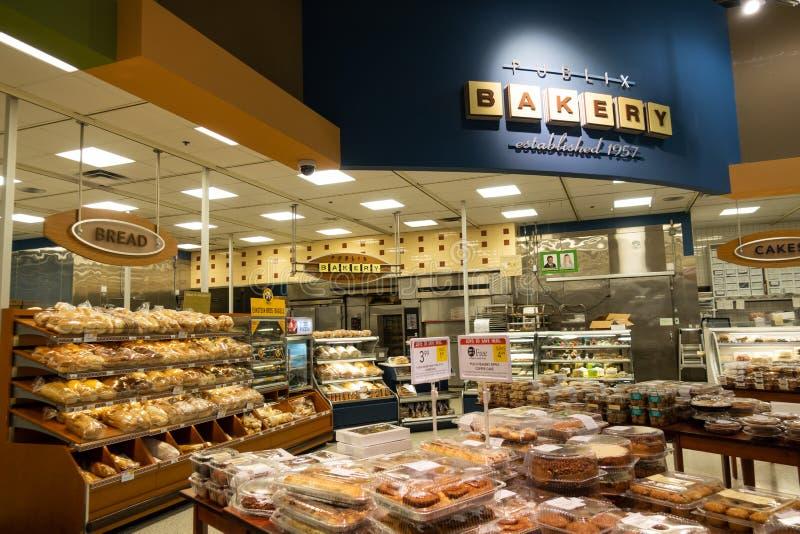 El departamento de la panadería de un colmado de Publix imagen de archivo libre de regalías