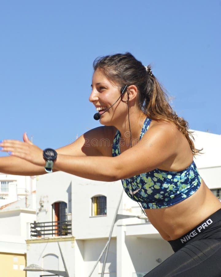 El deporte en la playa es una gran diversi?n para la gente fotografía de archivo libre de regalías