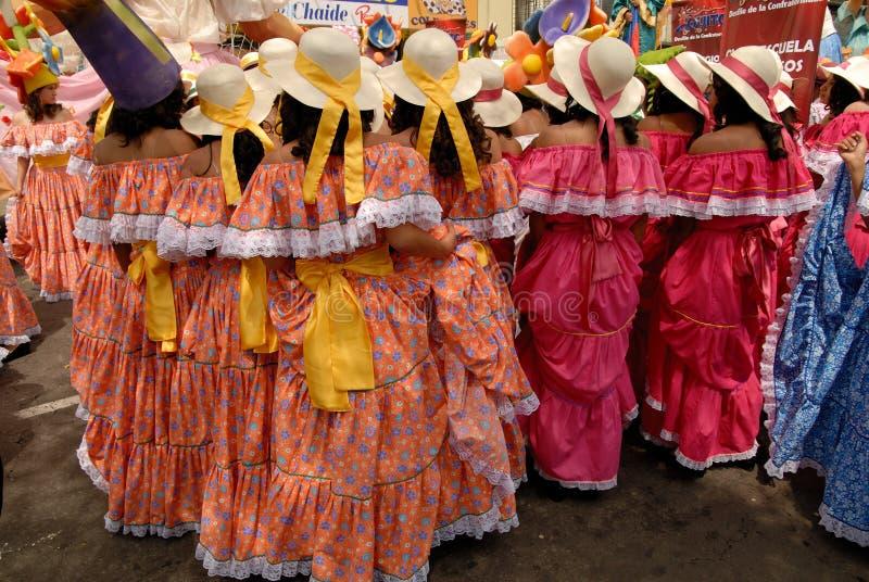 El desfile de las festividades de Quito imagen de archivo