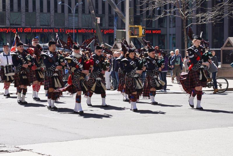El desfile 16 del día del tartán de 2015 NYC imagen de archivo