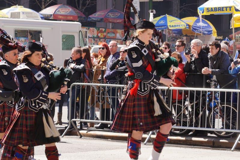El desfile 17 del día del tartán de 2015 NYC foto de archivo libre de regalías