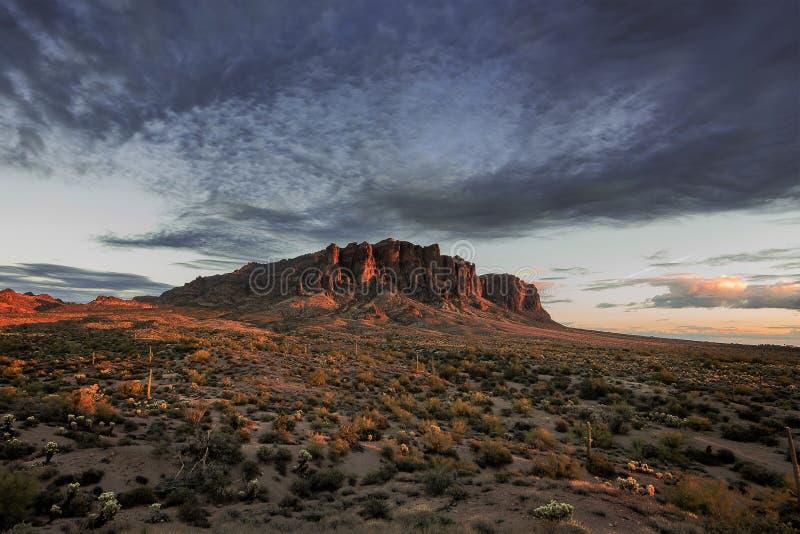 El desierto se enciende para arriba fotografía de archivo