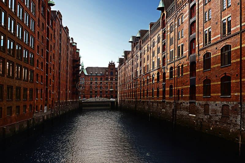 El distrito del almacén de Hamburgo imagenes de archivo