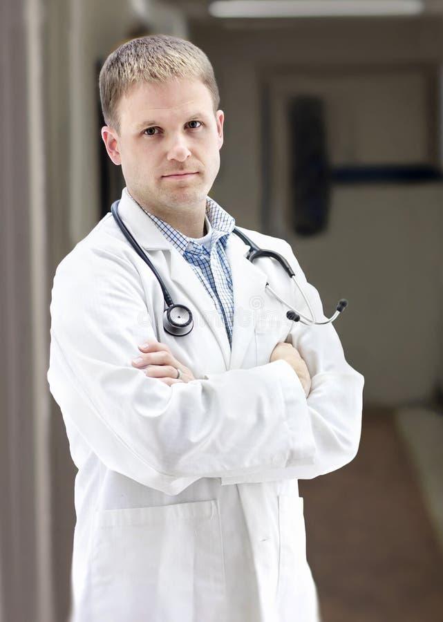 El doctor joven Portrait fotos de archivo libres de regalías