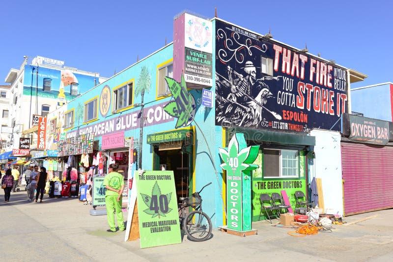 El doctor verde Shop imagen de archivo libre de regalías