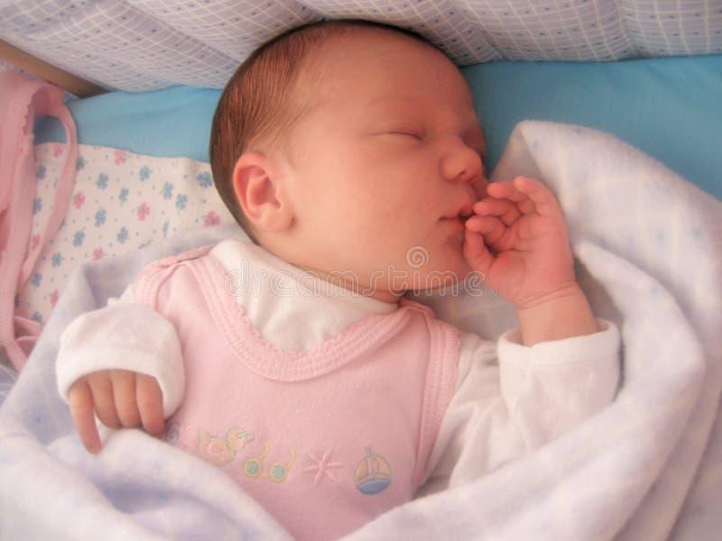 Download El dormir del bebé foto de archivo. Imagen de oído, hija - 1285166