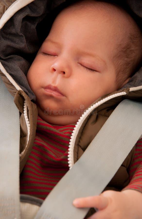El dormir seguro del bebé imagen de archivo libre de regalías