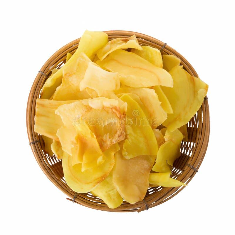 El Durian salta la fruta frita en la cesta, microprocesadores curruscantes del bocado de la fruta del Durian aislados en el fondo imágenes de archivo libres de regalías