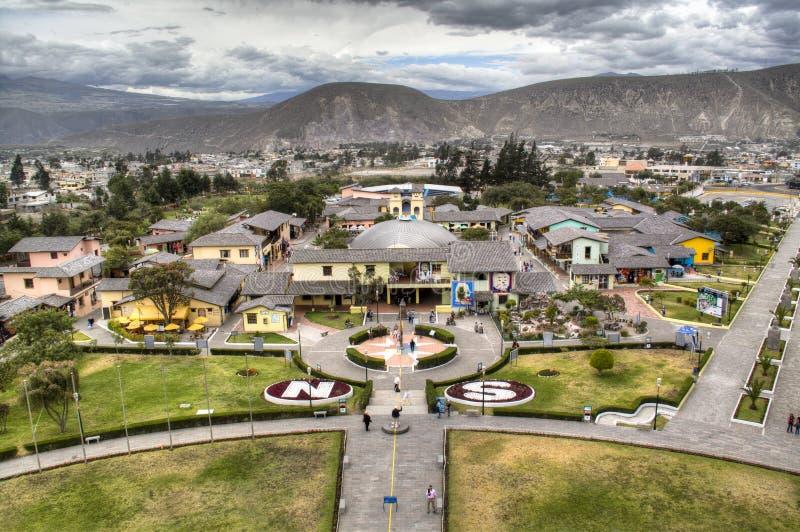 El ecuador en Mitad del Mundo imágenes de archivo libres de regalías