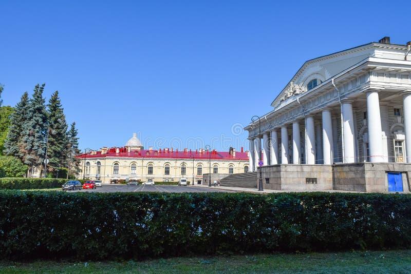 El edificio anterior de la bolsa de acción en Leningrad fotografía de archivo libre de regalías