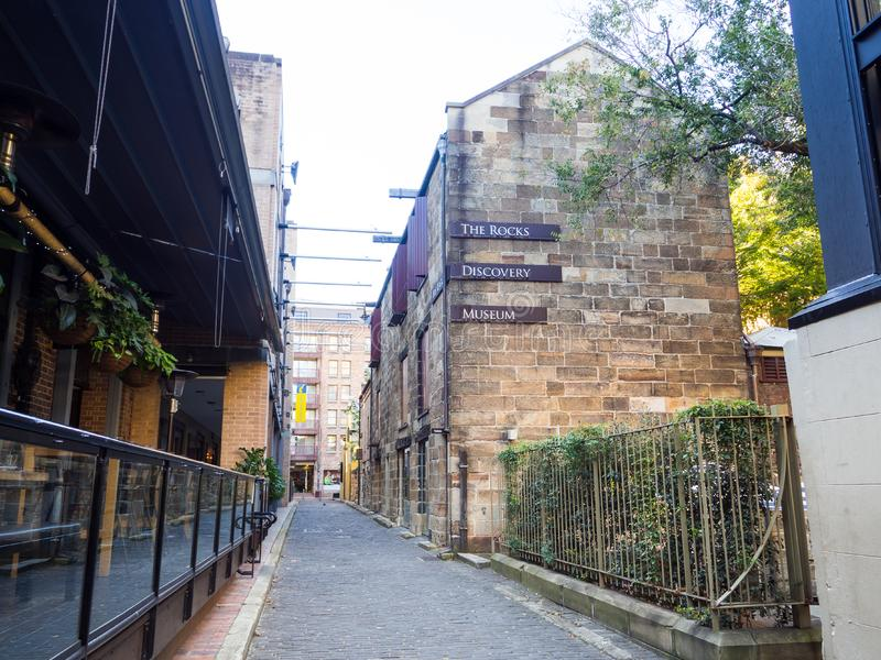 El edificio de la fachada del museo en Kendall Ln, el museo del descubrimiento de la roca que cuenta la historia del área de las  foto de archivo libre de regalías