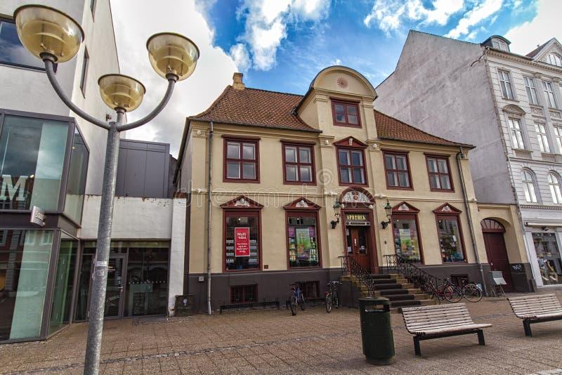 El edificio de la farmacia vieja en Horsens foto de archivo