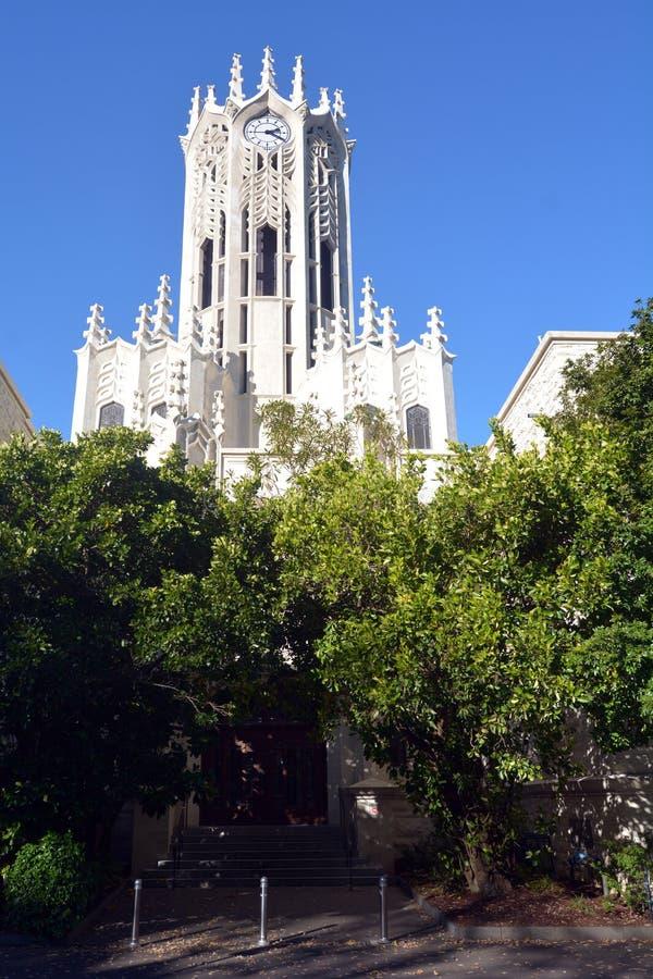 El edificio de la torre de reloj de la universidad de Auckland foto de archivo libre de regalías