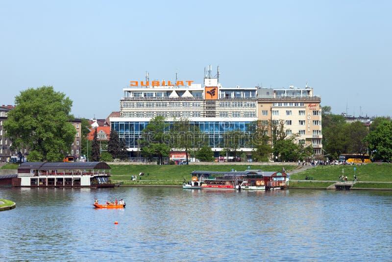 El edificio del centro comercial Jubilat en el banco Vístula, Kraków imagen de archivo libre de regalías