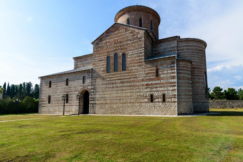 El edificio del templo del siglo XIV imágenes de archivo libres de regalías