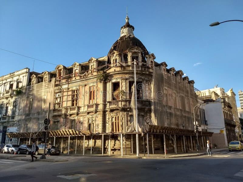 El edificio histórico en Río céntrica está a riesgo de hundimiento imagenes de archivo