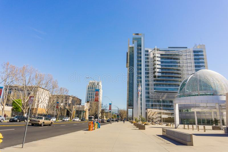 El edificio moderno de ayuntamiento de San Jose, Silicon Valley, California fotos de archivo