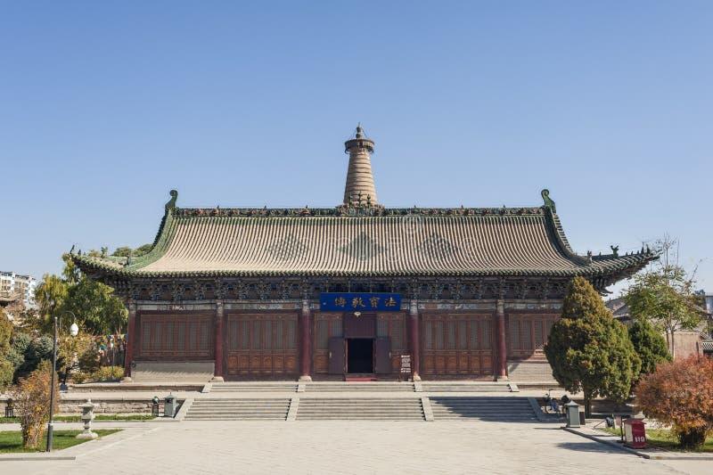 El edificio principal en gran templo budista fotos de archivo