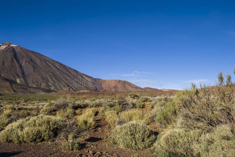 El ejecutarse en el volcán foto de archivo