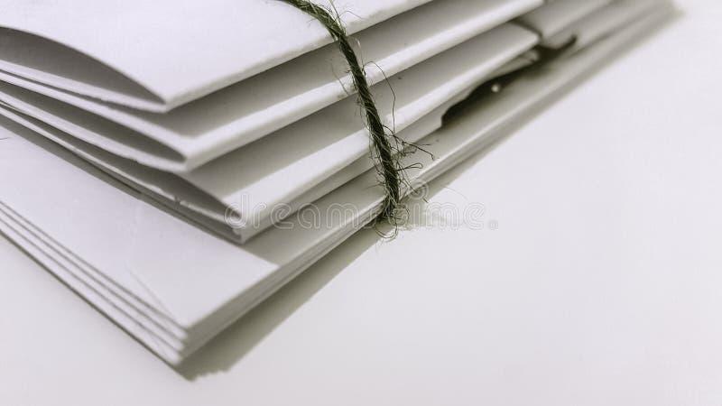El embalar de los papeles fotografía de archivo libre de regalías