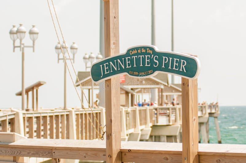 El embarcadero de Jennette en la cabeza de las quejas, Carolina del Norte, los E.E.U.U. foto de archivo
