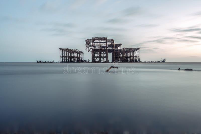 El embarcadero del oeste viejo en Brighton Uk fotos de archivo libres de regalías