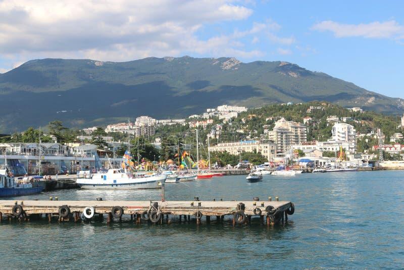 El embarcadero en Yalta foto de archivo