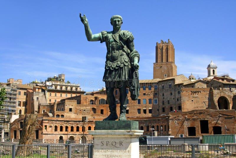 El emperador César el foro de Trajan foto de archivo
