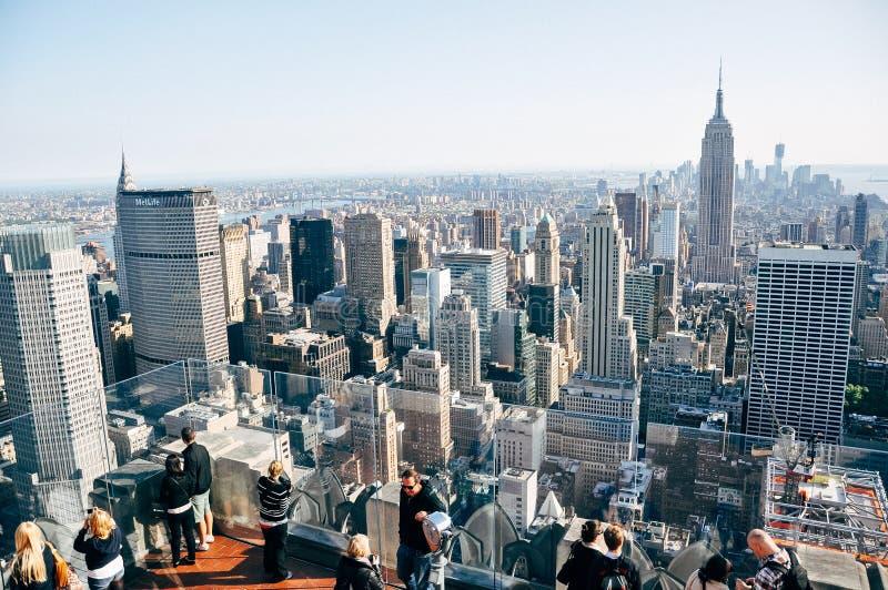 El Empire State Building en el horizonte de New York City fotos de archivo