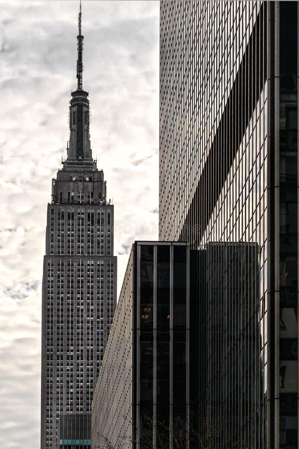 El Empire State Building en Manhattan imagen de archivo libre de regalías
