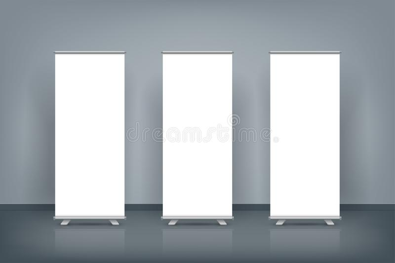 El en blanco tres rodar para arriba la exhibición de los carteles de la bandera en pared azul marino, imita para arriba libre illustration
