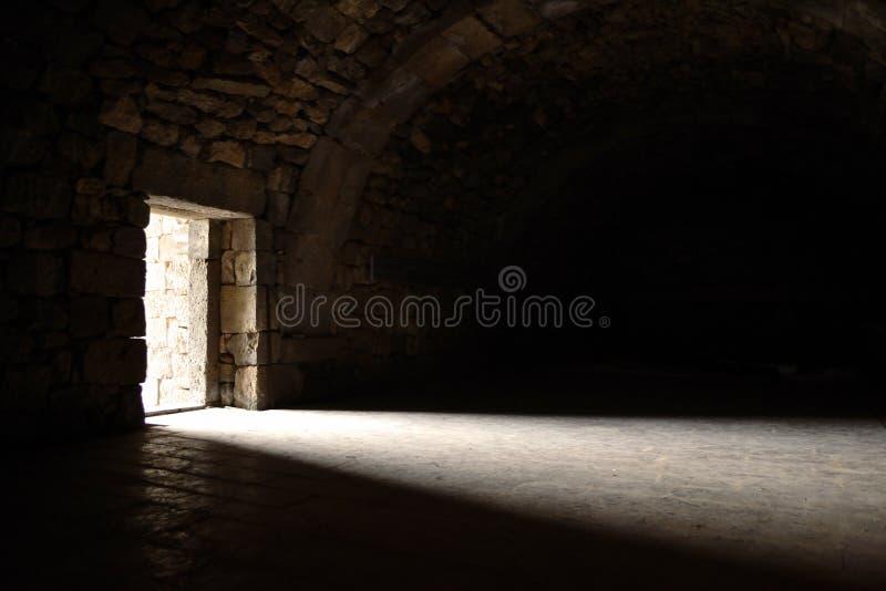 El entrar ligero a través de puerta fotos de archivo libres de regalías