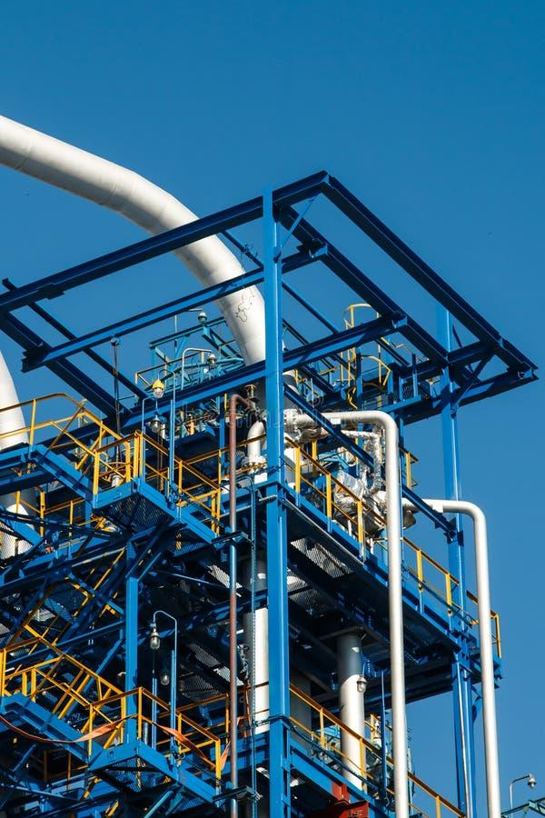 El equipo del refino de petróleo imágenes de archivo libres de regalías
