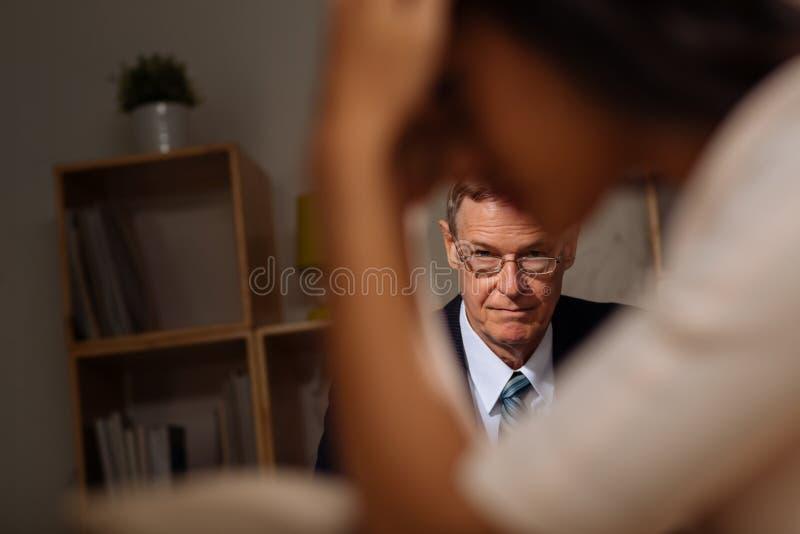 El escuchar el paciente imagen de archivo libre de regalías