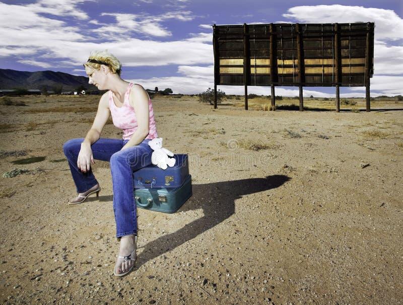 El esperar de la mujer fotografía de archivo