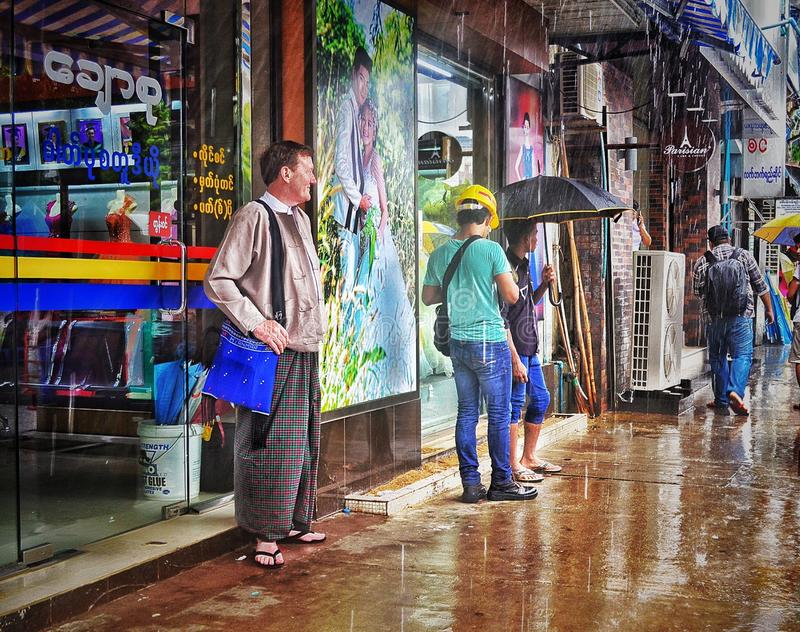 El esperar en llover fotografía de archivo libre de regalías
